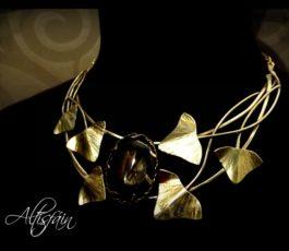 Collier laiton «Histoires d'Elles: l' Enigmatique» Agate noire druzy