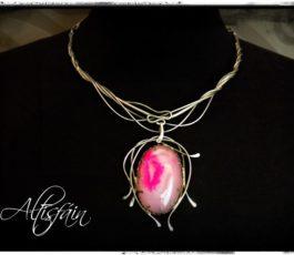 """Collier inox """"Aux Confins des Mondes: Cythère"""" Agate Druzy rose"""