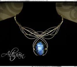 "Collier inox ""Aux Confins des Mondes: Gondolin"" Labradorite bleue"