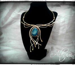 """Collier laiton """"Constellation: Eridan"""", Agate Druzy bleue canard"""