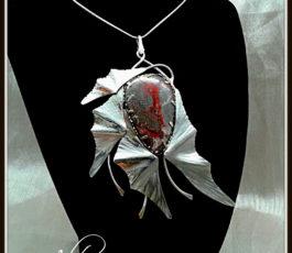 """Collier pendentif inox """"Les Diaboliques: Daenerys du Typhon"""" Agate Crazy Lace Hématite"""