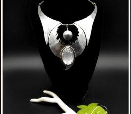"""Collier pendentif inox """"Les Diaboliques: Hécate"""" Sélénite Pierre de Lune"""