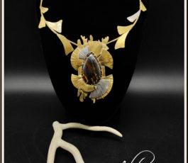 """Collier laiton """"Les Diaboliques: Sarah Bernhardt"""" Œil de Fer"""
